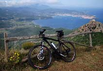 Visit Elba Island by mountain bike